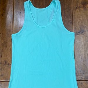 Under Armour tank size large